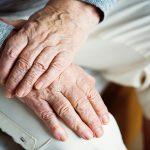 Dementia expert warns smokers to quit